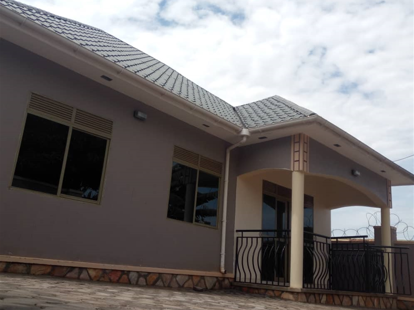 Bungalow for sale in Mnyonyo Kampala