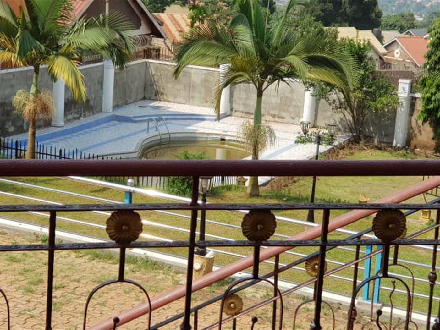 Mansion for sale in Namasuba Wakiso