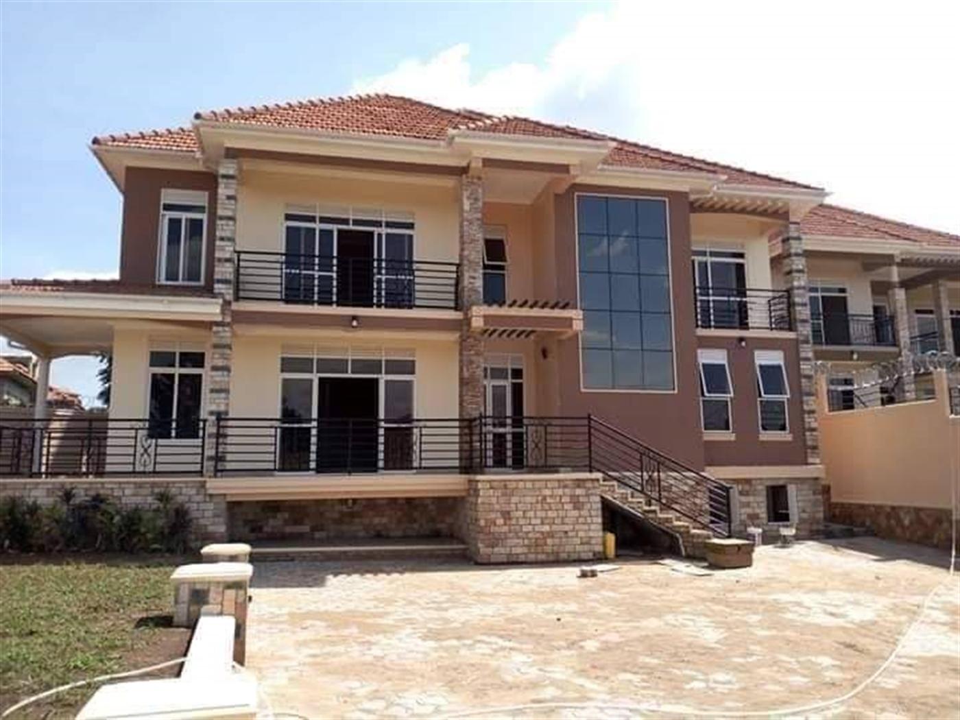 Mansion for sale in Munyonyo Wakiso