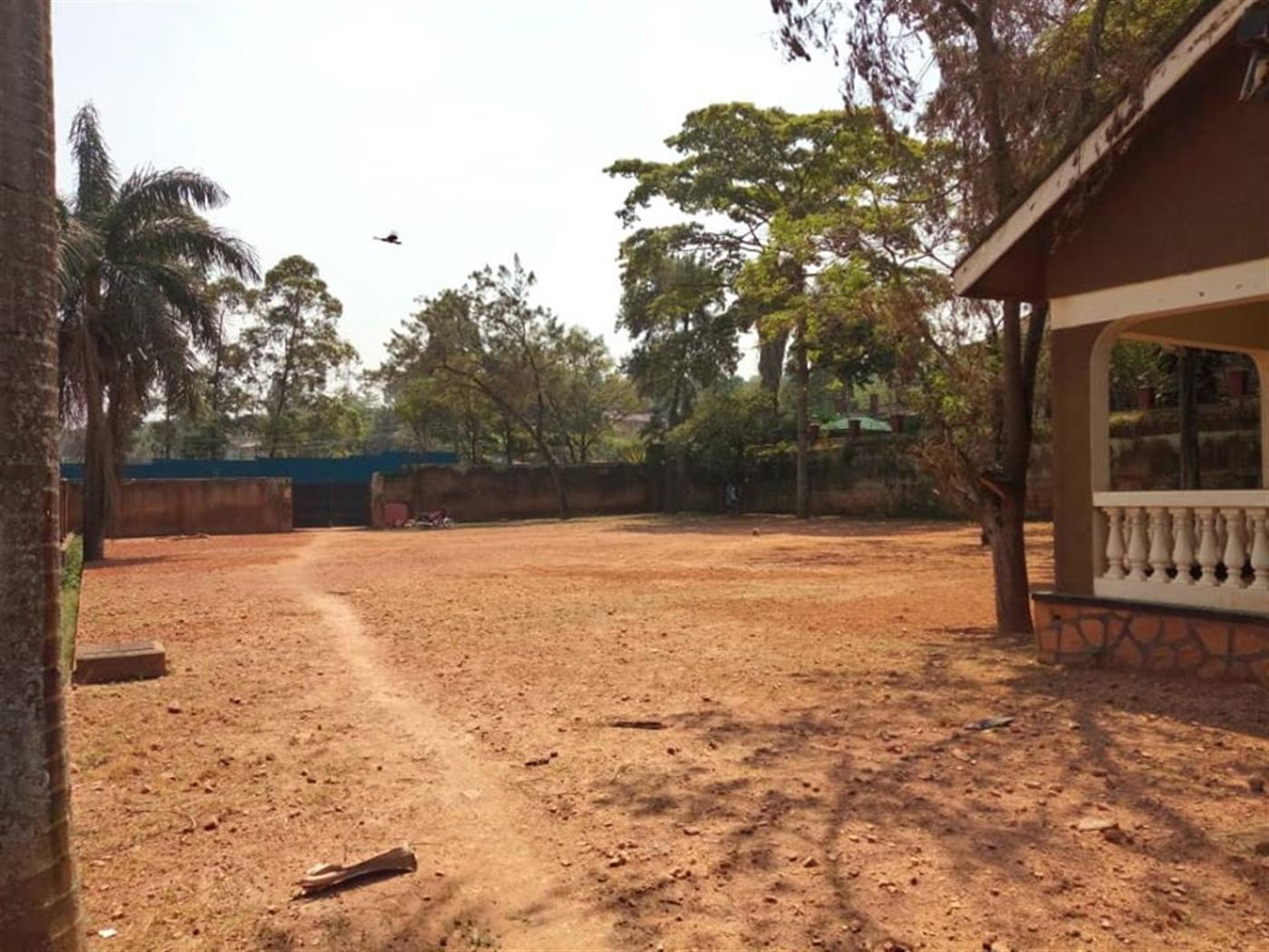 Villa for sale in Naguru Wakiso