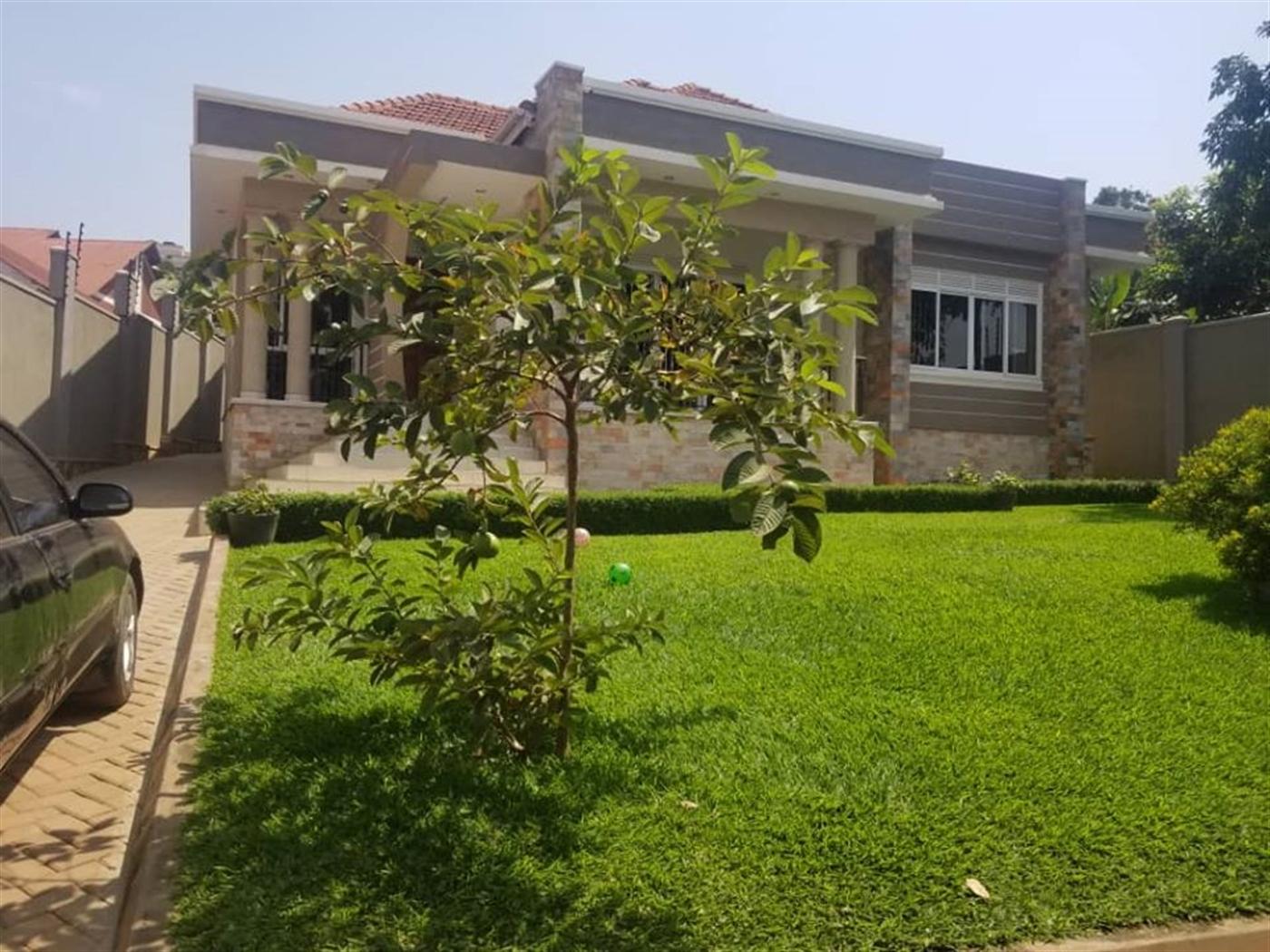 Mansion for sale in Ggaba Wakiso