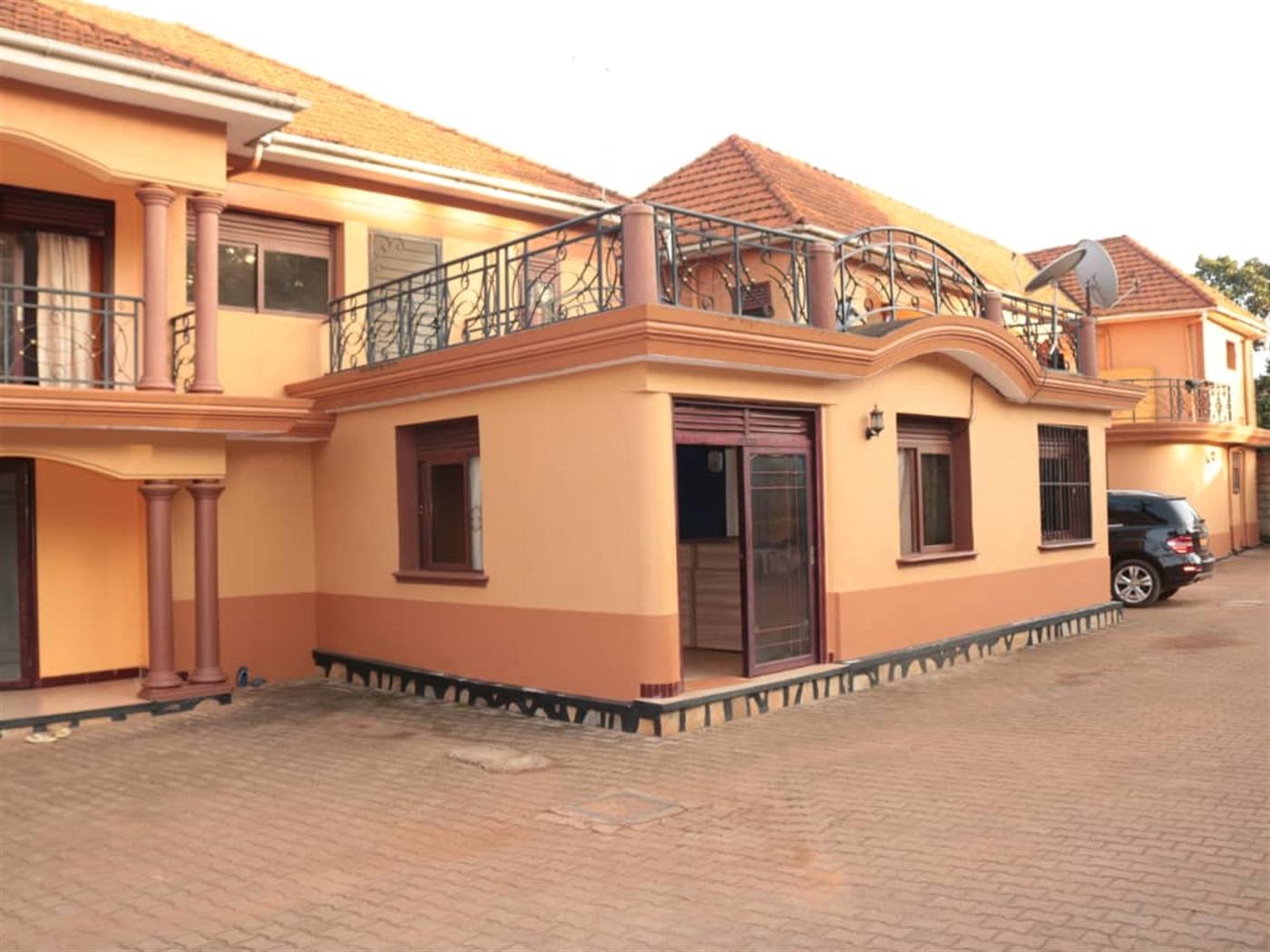 Villa for sale in Zana Wakiso