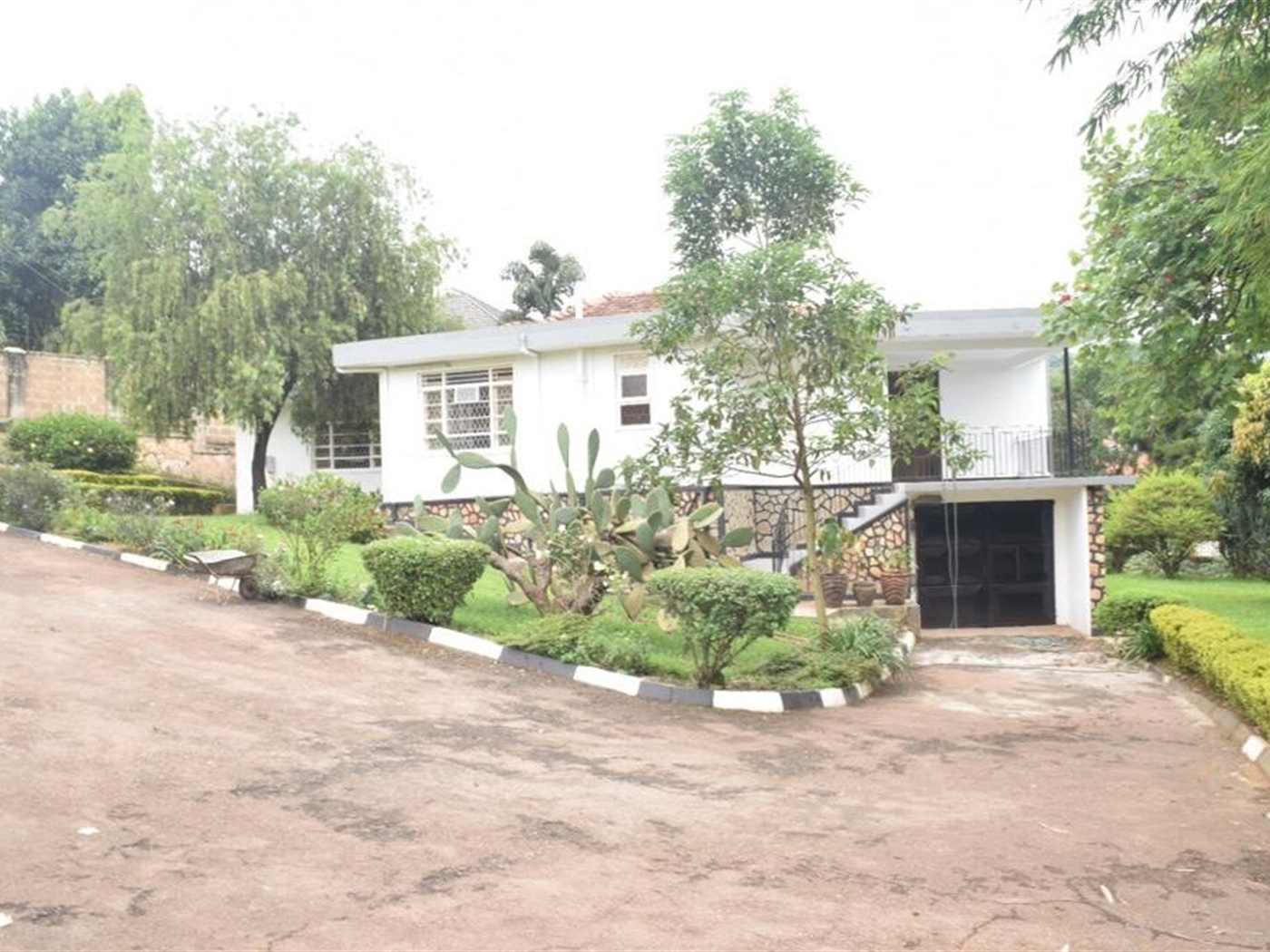 Bungalow for rent in Makindye Wakiso