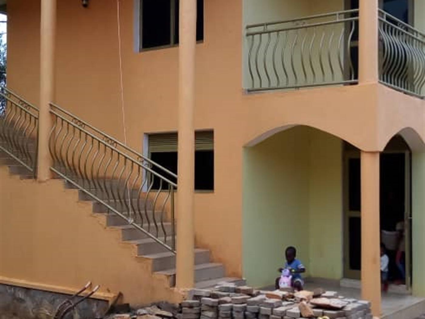 Storyed house for rent in Kulambilo Wakiso