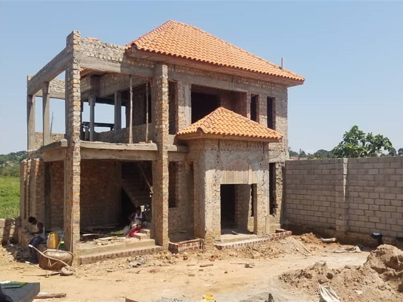 Storyed house for sale in Buwate Wakiso