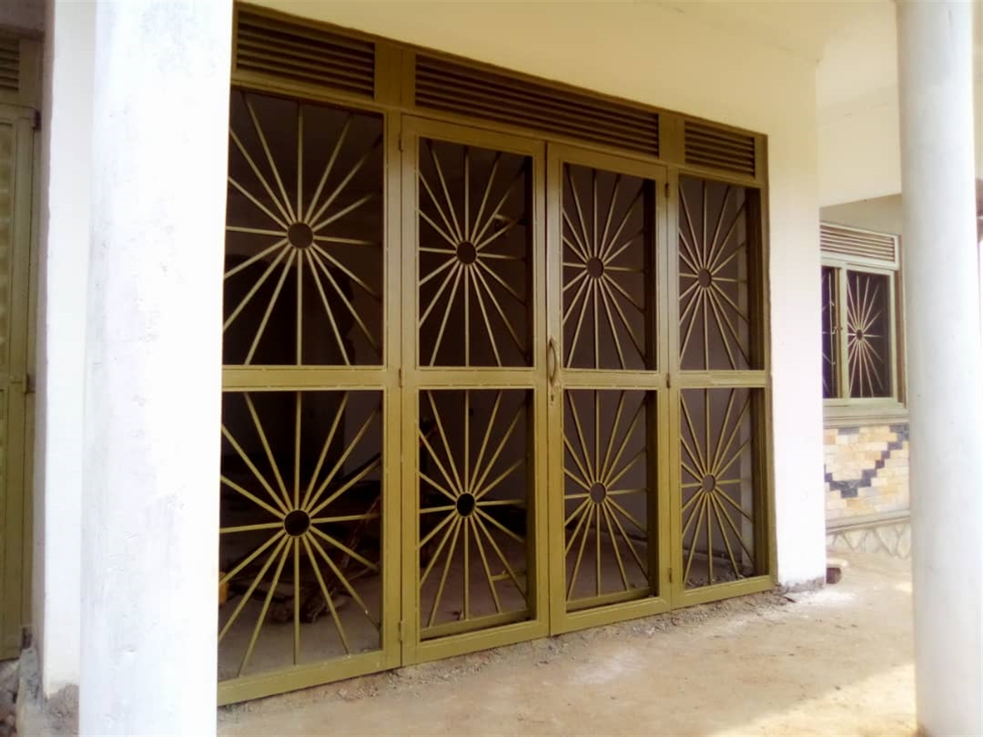 Porch (Entrance)