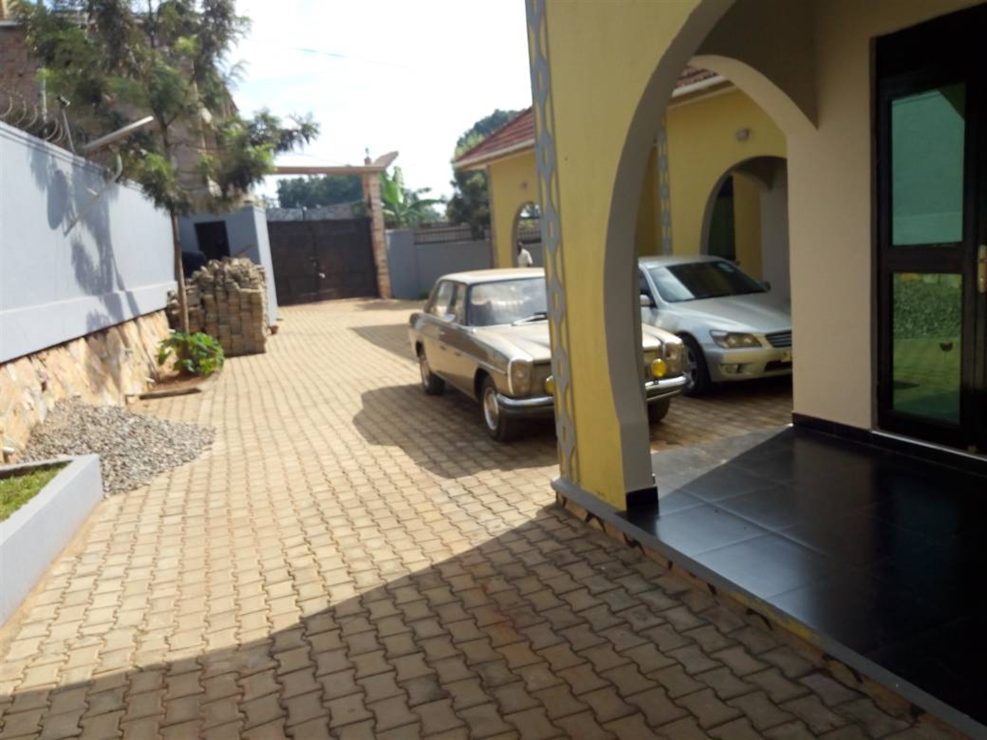 Semi Detached for sale in Kyaliwajala Wakiso