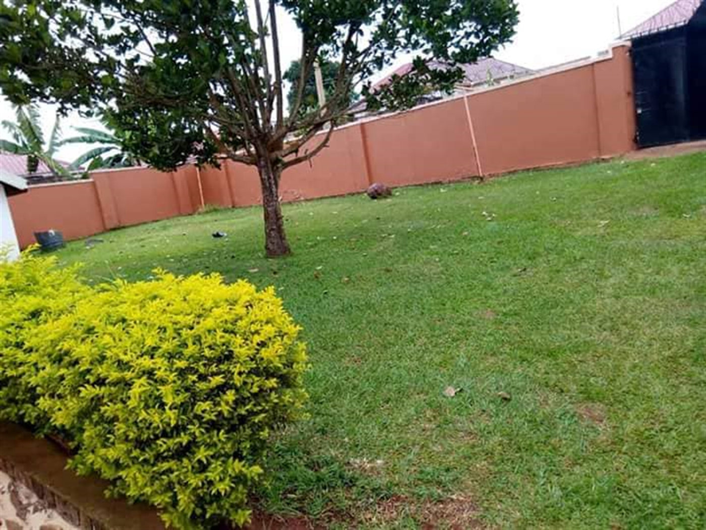 Mansion for sale in Kitala Wakiso