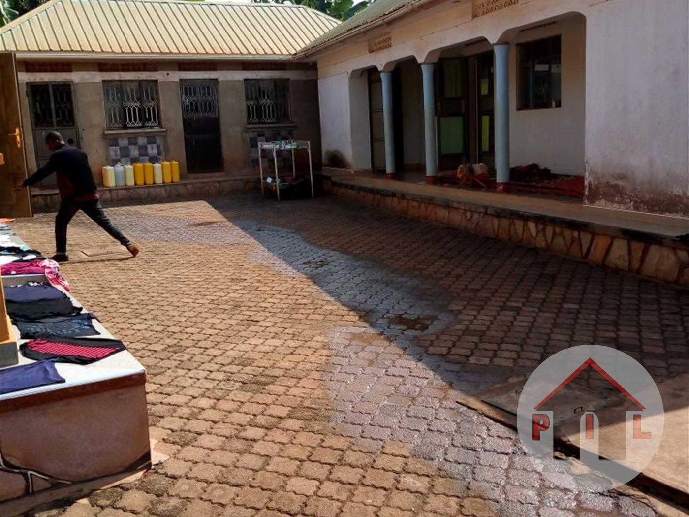Bungalow for sale in Abayitababiri Wakiso