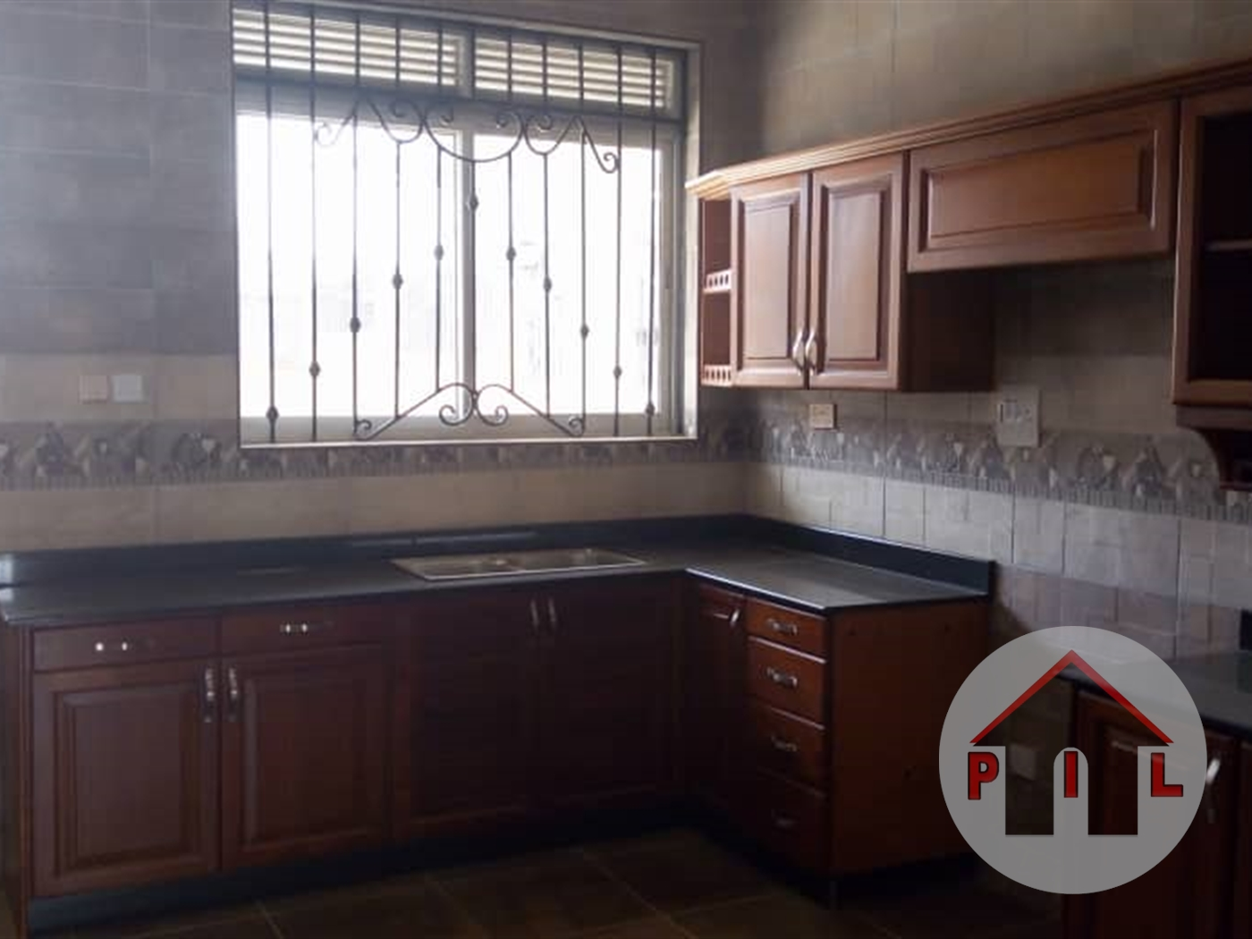 Mansion for sale in LUZIRA Kampala