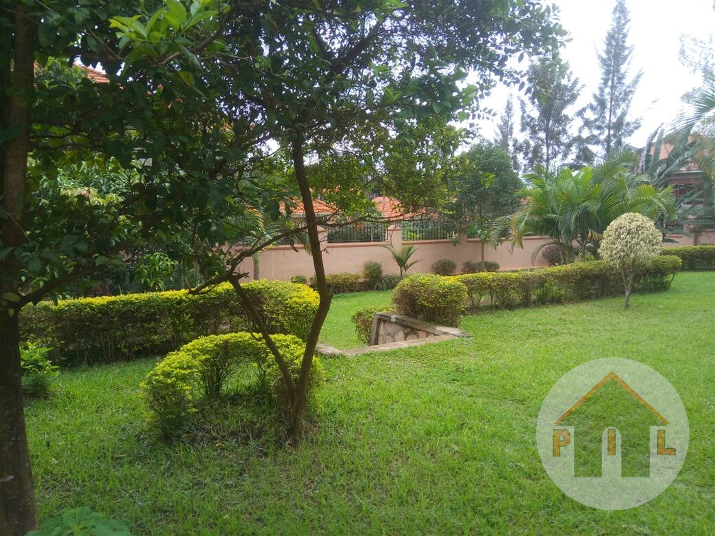 Mansion for sale in Muyonyo Kampala