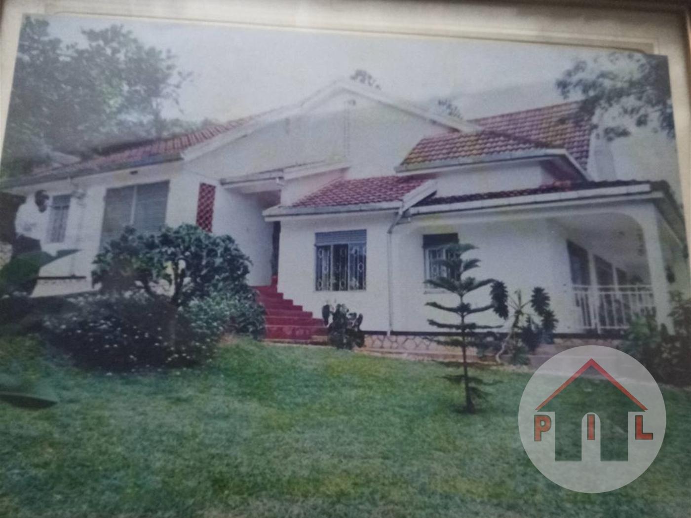 Mansion for sale in Makindye Wakiso