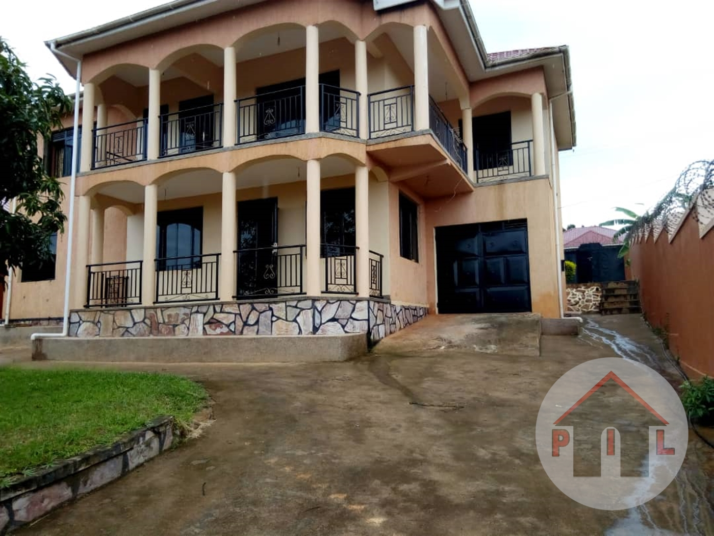 Mansion for sale in Katala Wakiso
