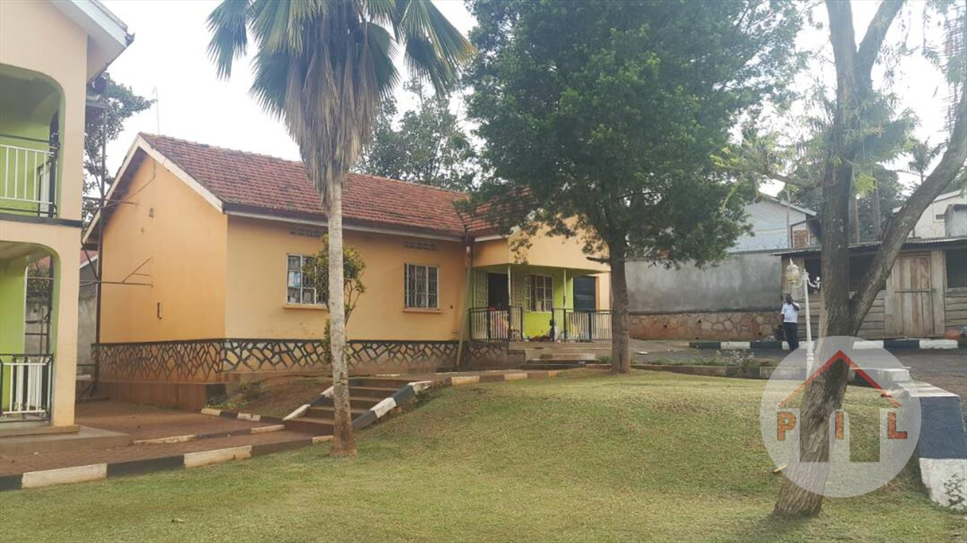 Storyed house for sale in Kasangati Wakiso