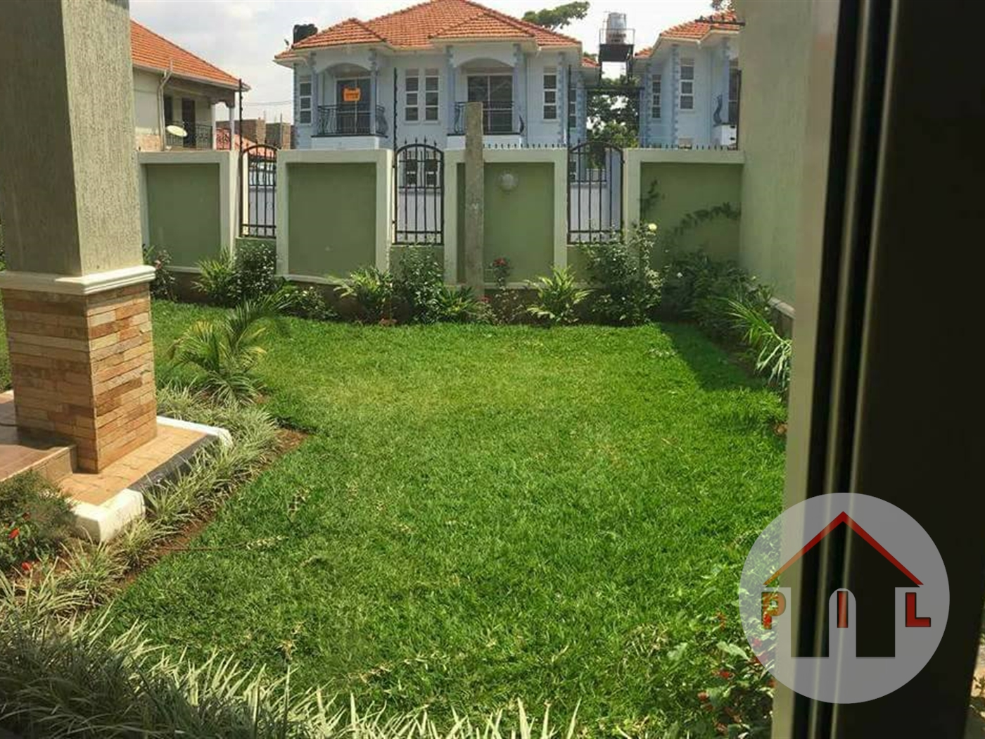 Maisonette for sale in Muyonyo Kampala