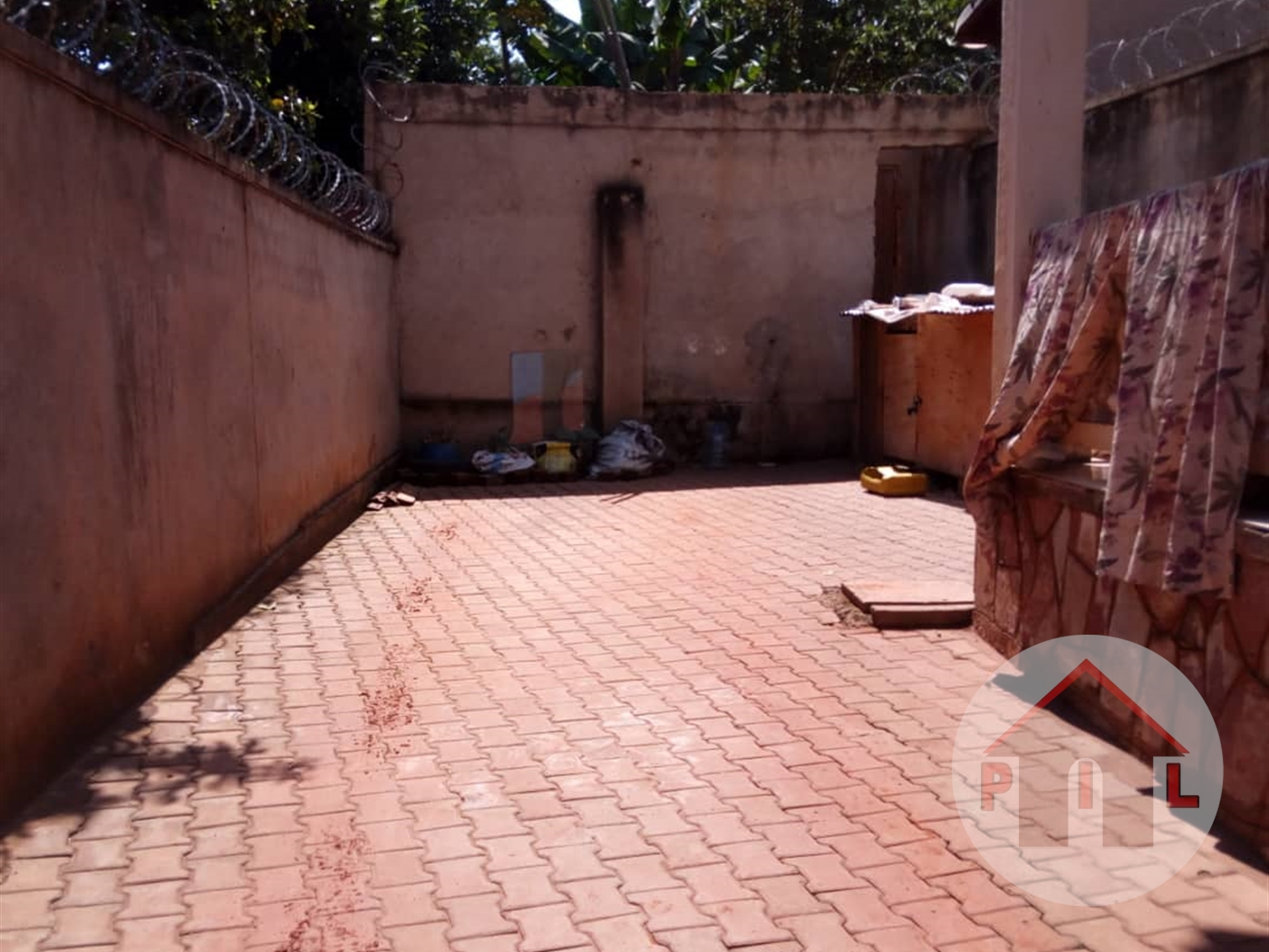 Mansion for sale in Kireka Wakiso