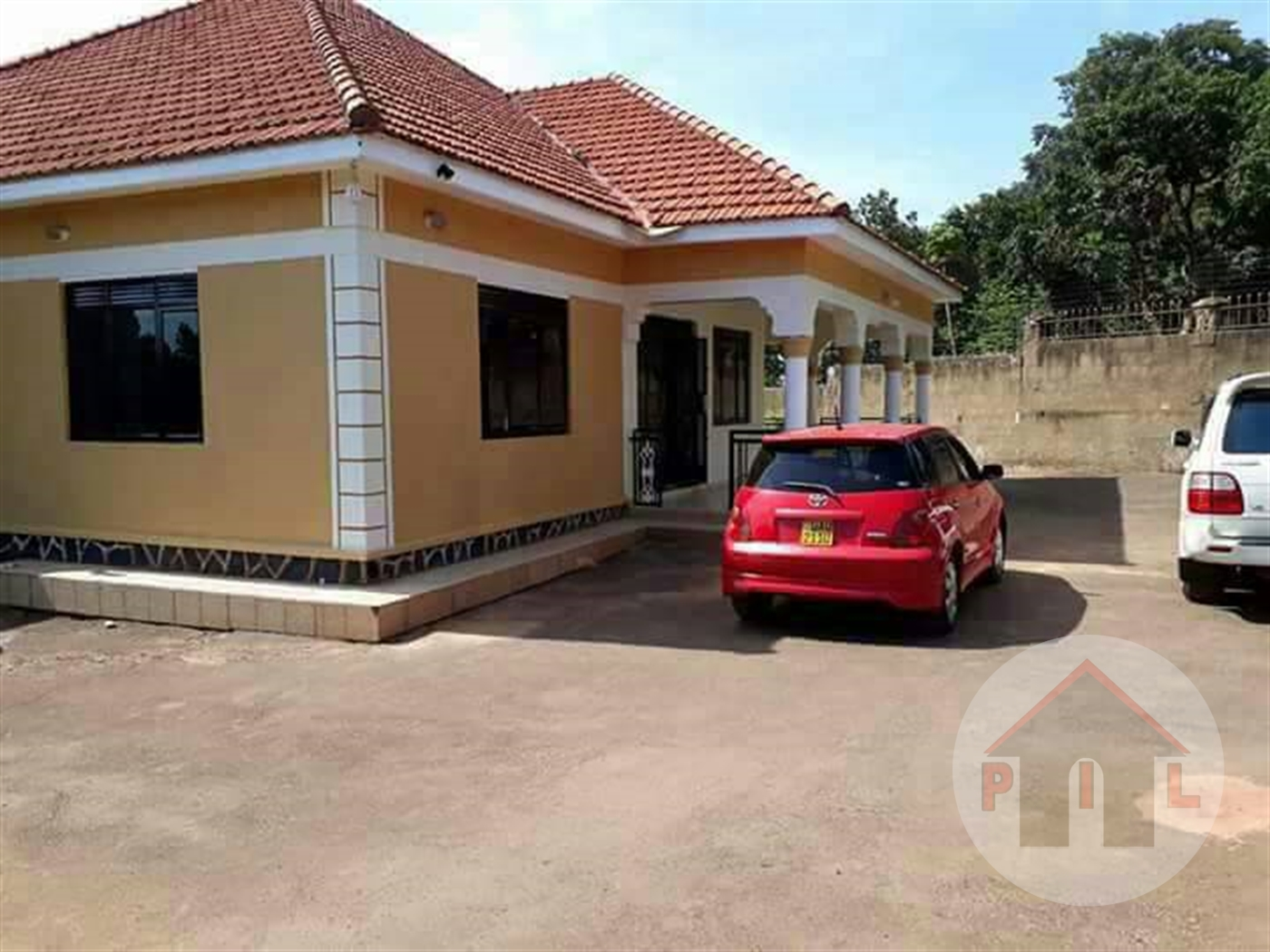 Bungalow for sale in Muyonyo Kampala