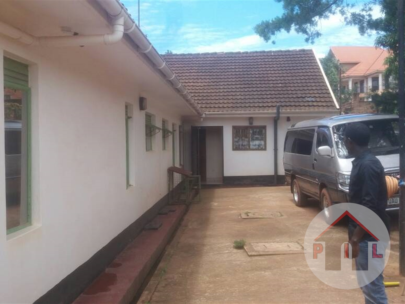 Town House for sale in Lweza Wakiso
