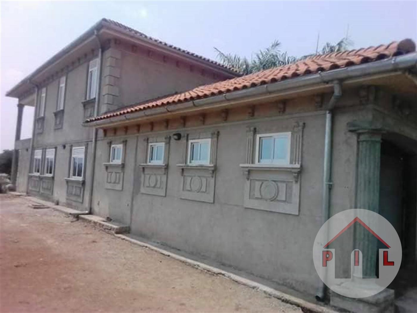 Mansion for sale in Garuga Wakiso