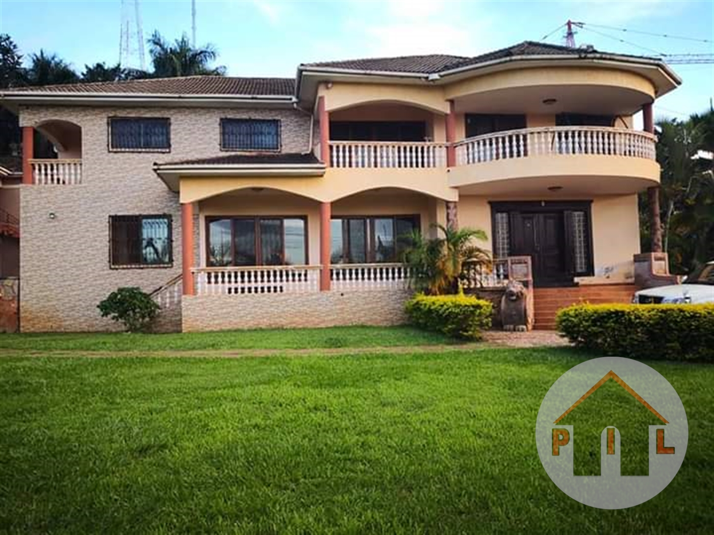 Maisonette for sale in Naguru Wakiso