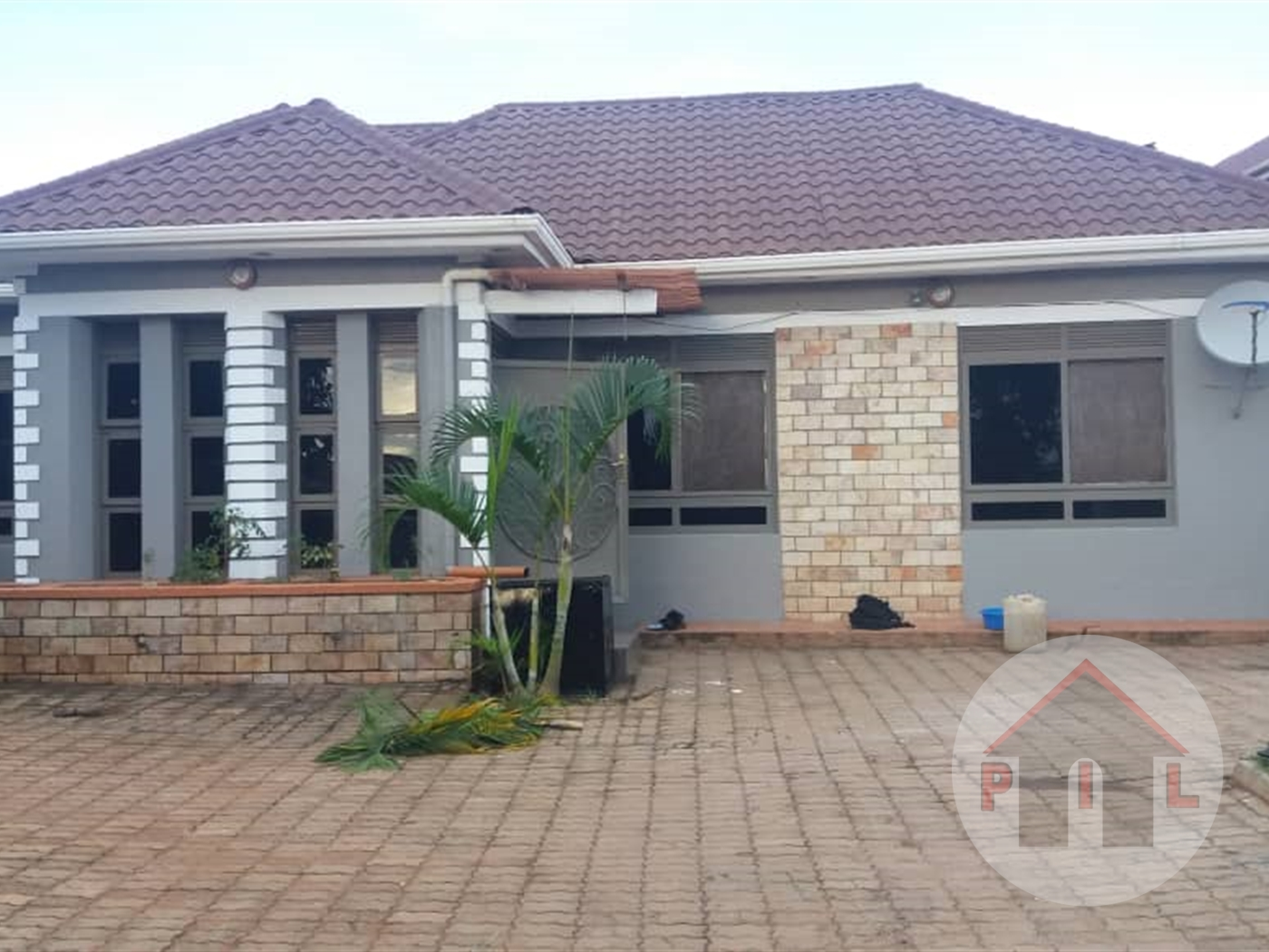 Bungalow for sale in Kanyanya Wakiso