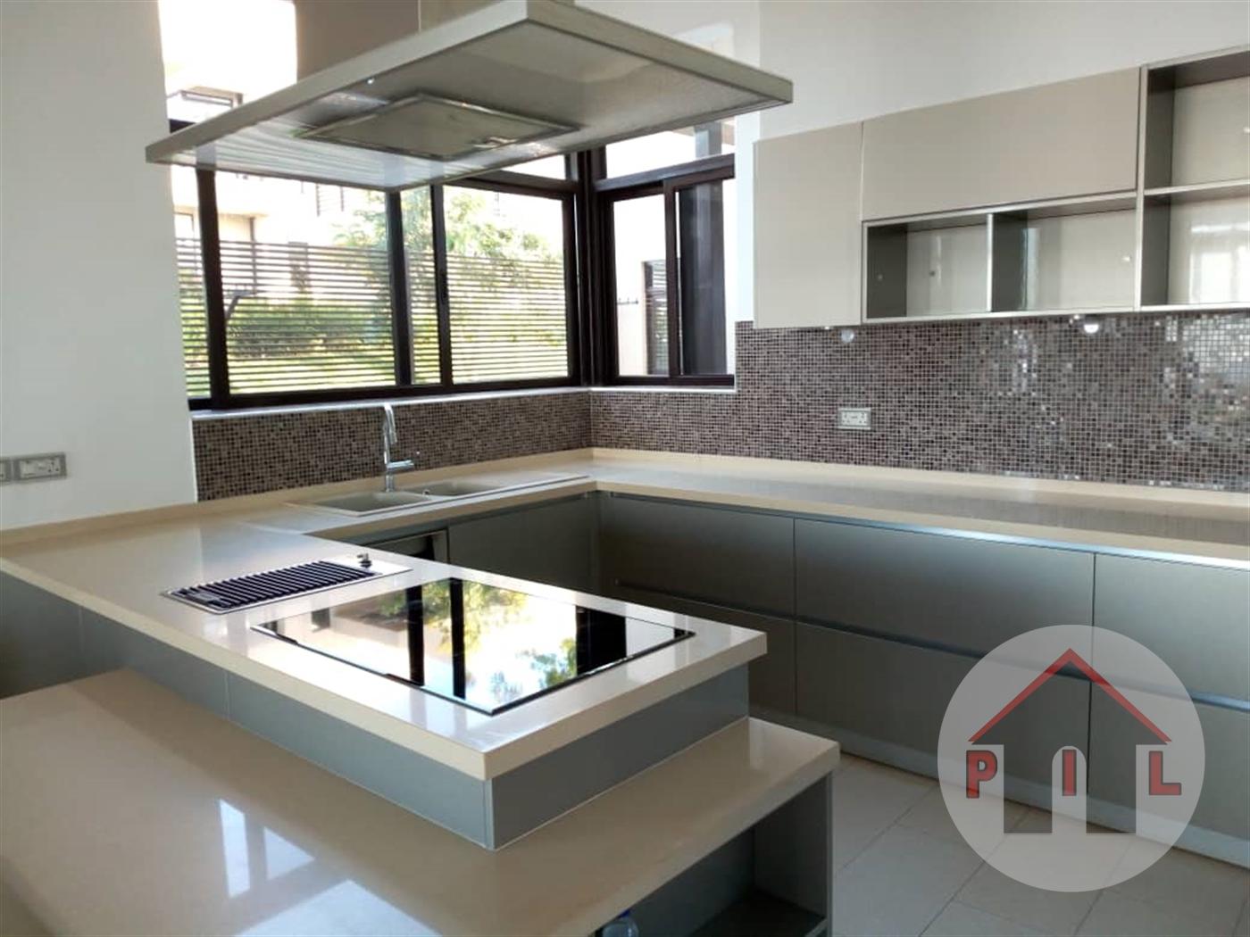 Villa for sale in Garuga Wakiso