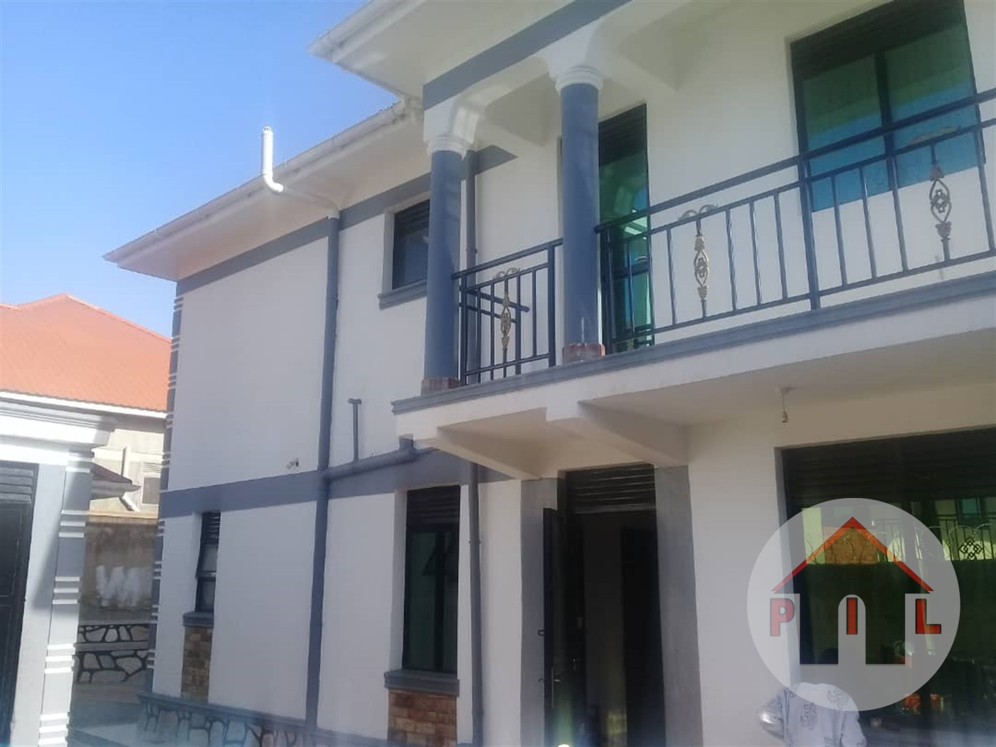 Mansion for sale in Kitende Wakiso