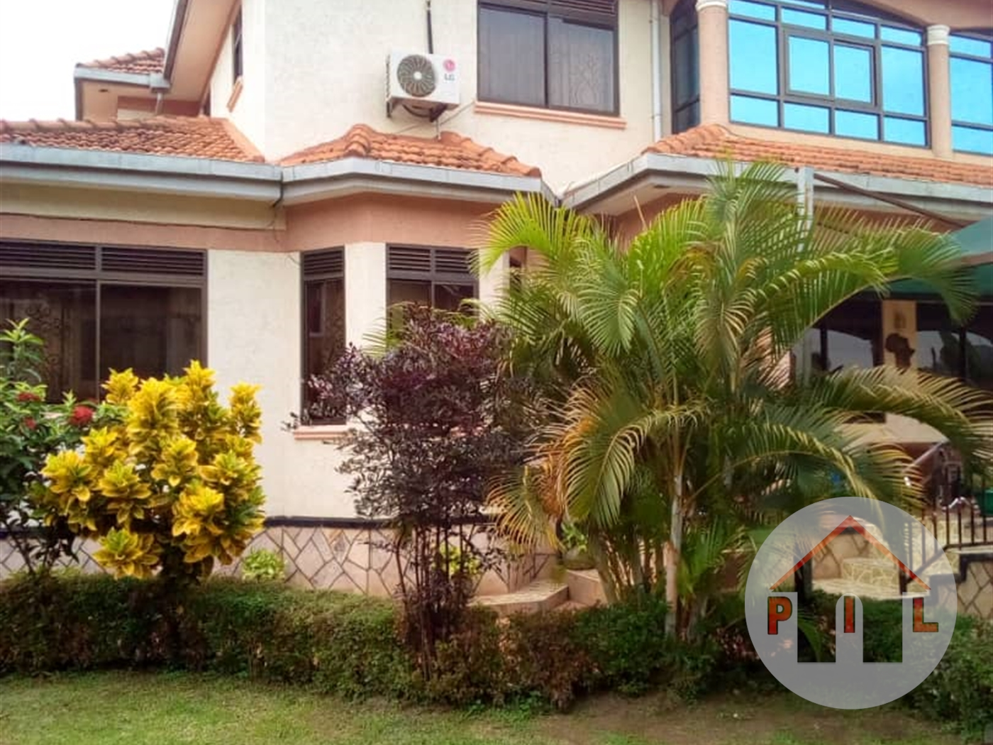 Mansion for sale in Bunga Kampala