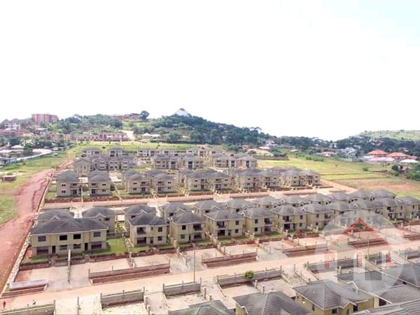Villa for sale in Bwebajja Wakiso