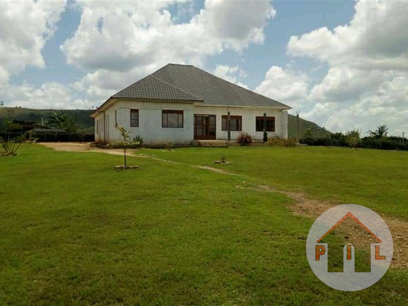Bungalow for sale in Biharwe Mbarara