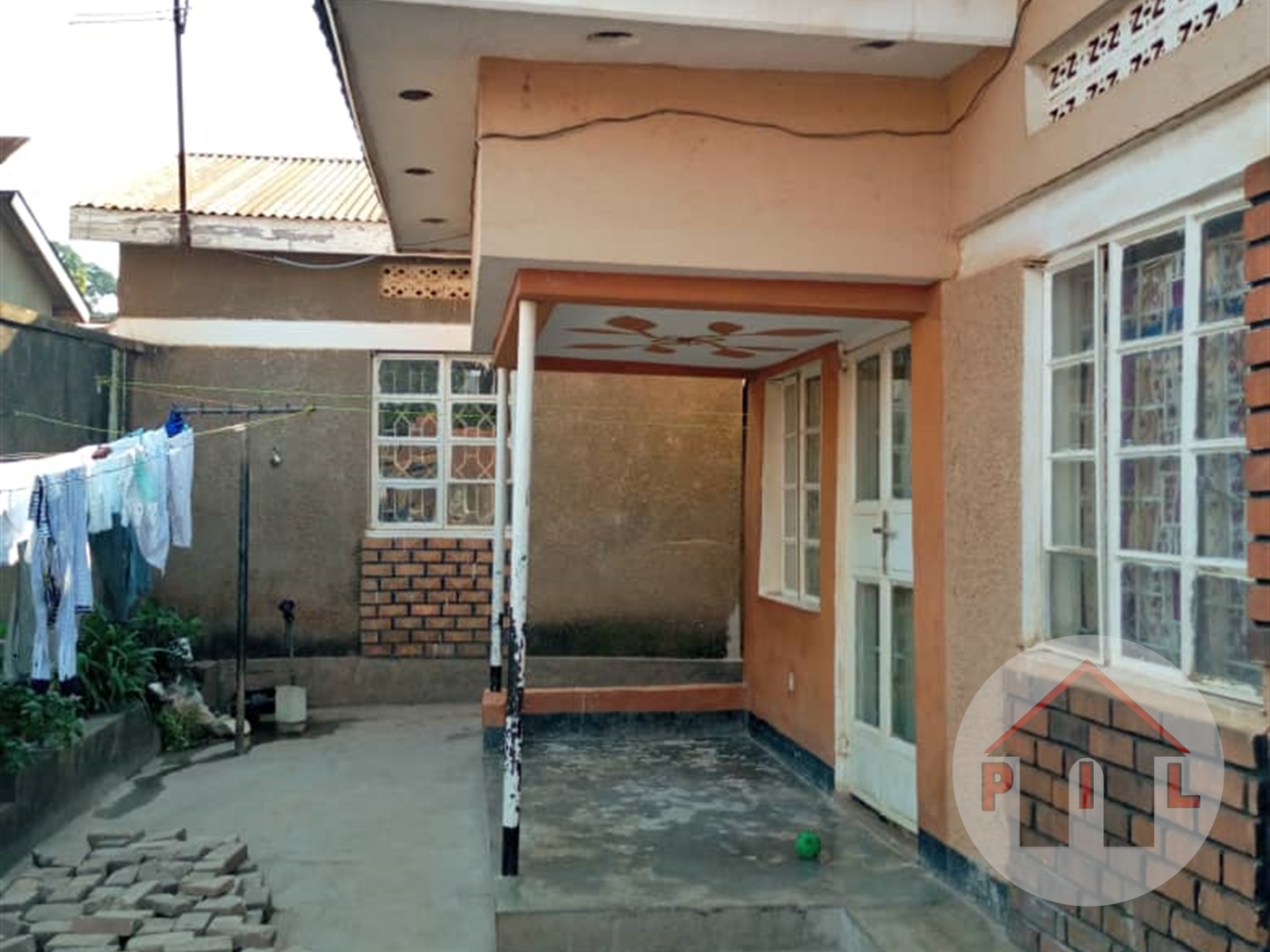 Bungalow for sale in Makerere Kampala