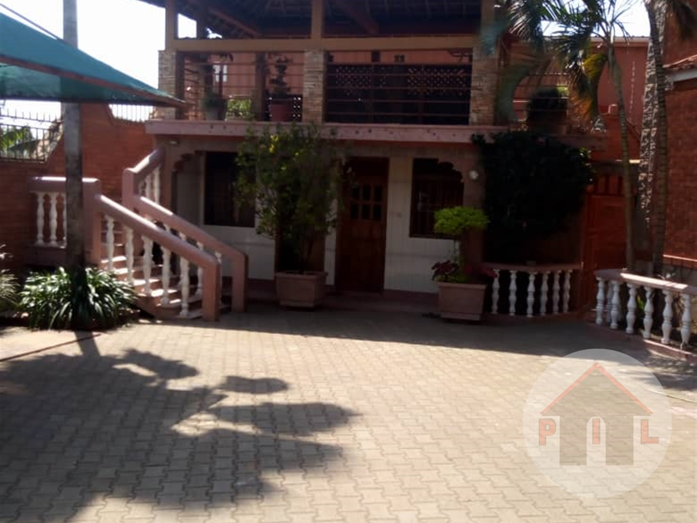 Storeyed house for rent in Bukoto Kampala