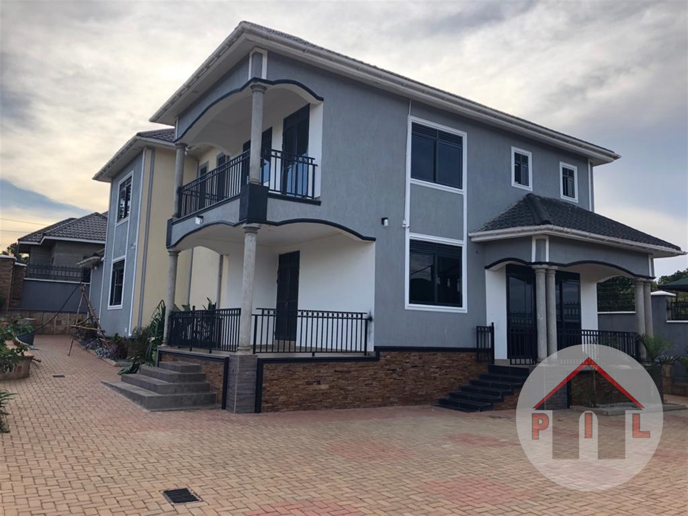 Mansion for sale in Ntawo Mukono
