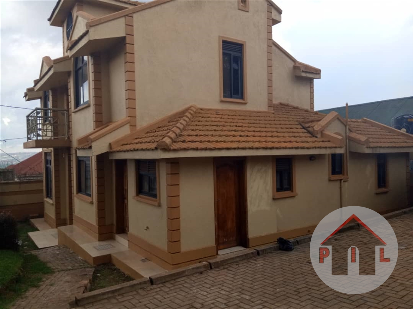 Mansion for sale in Kirinya Mukono