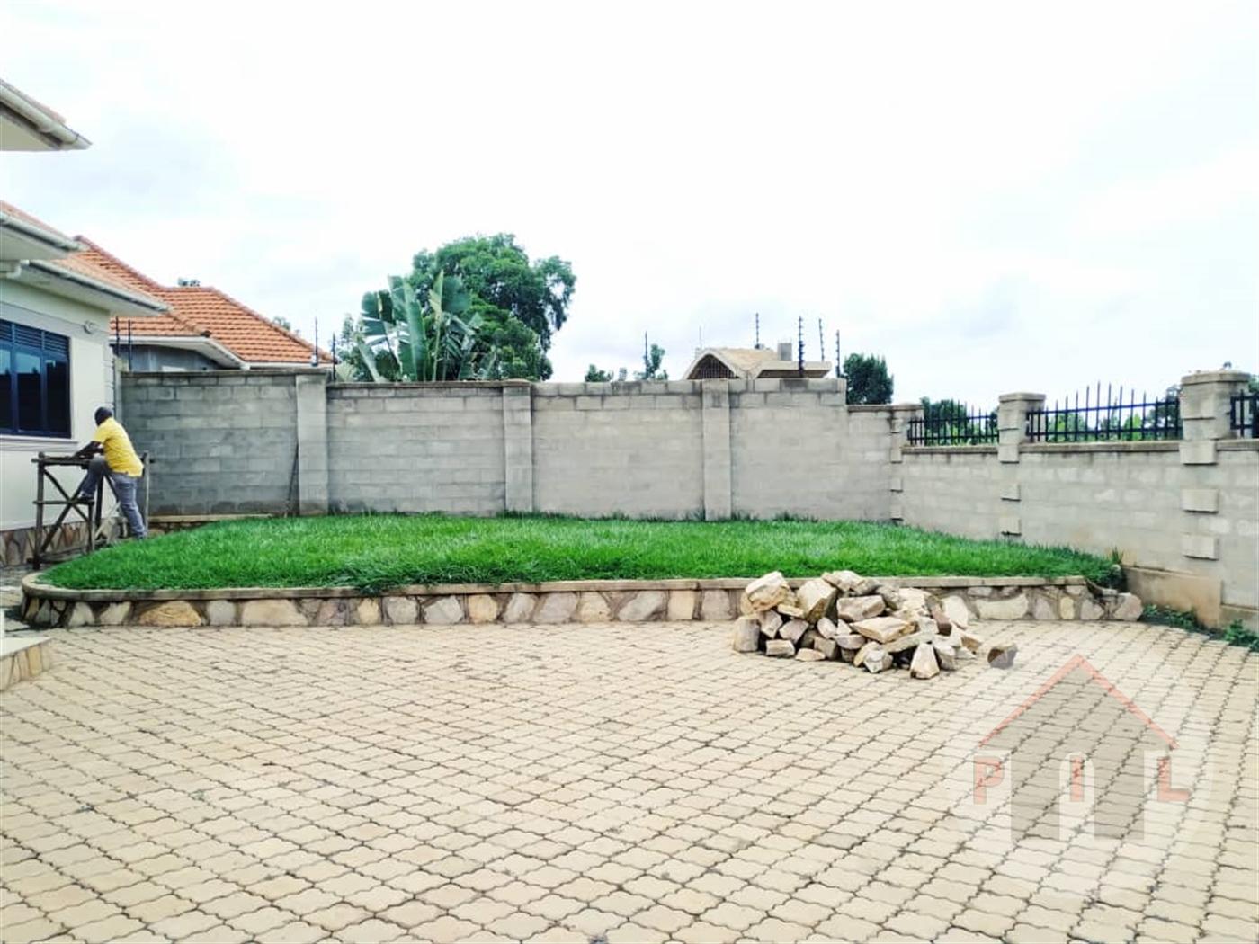 Bungalow for sale in Kitukutwe Wakiso