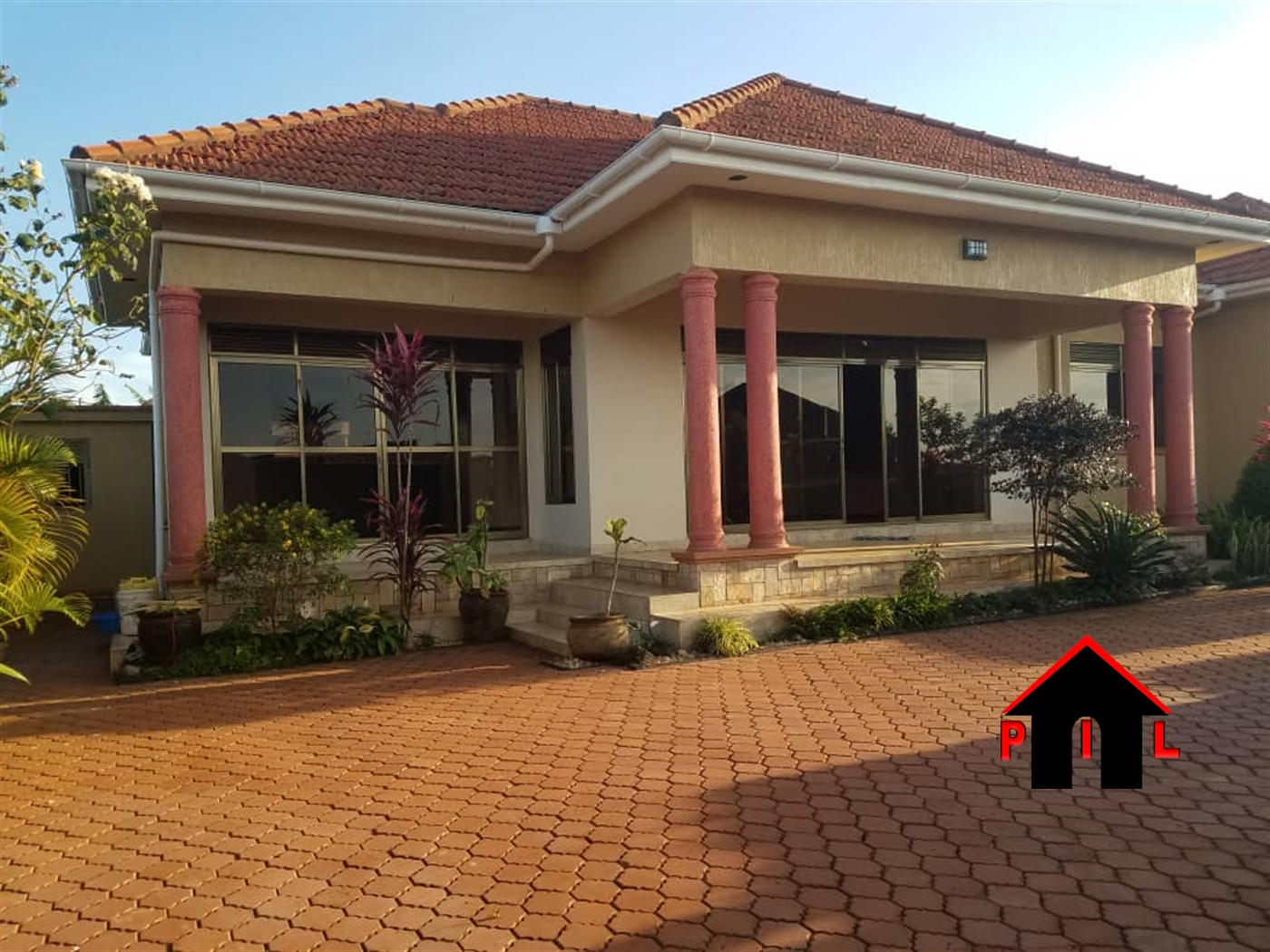 Bungalow for sale in Lutembe Wakiso