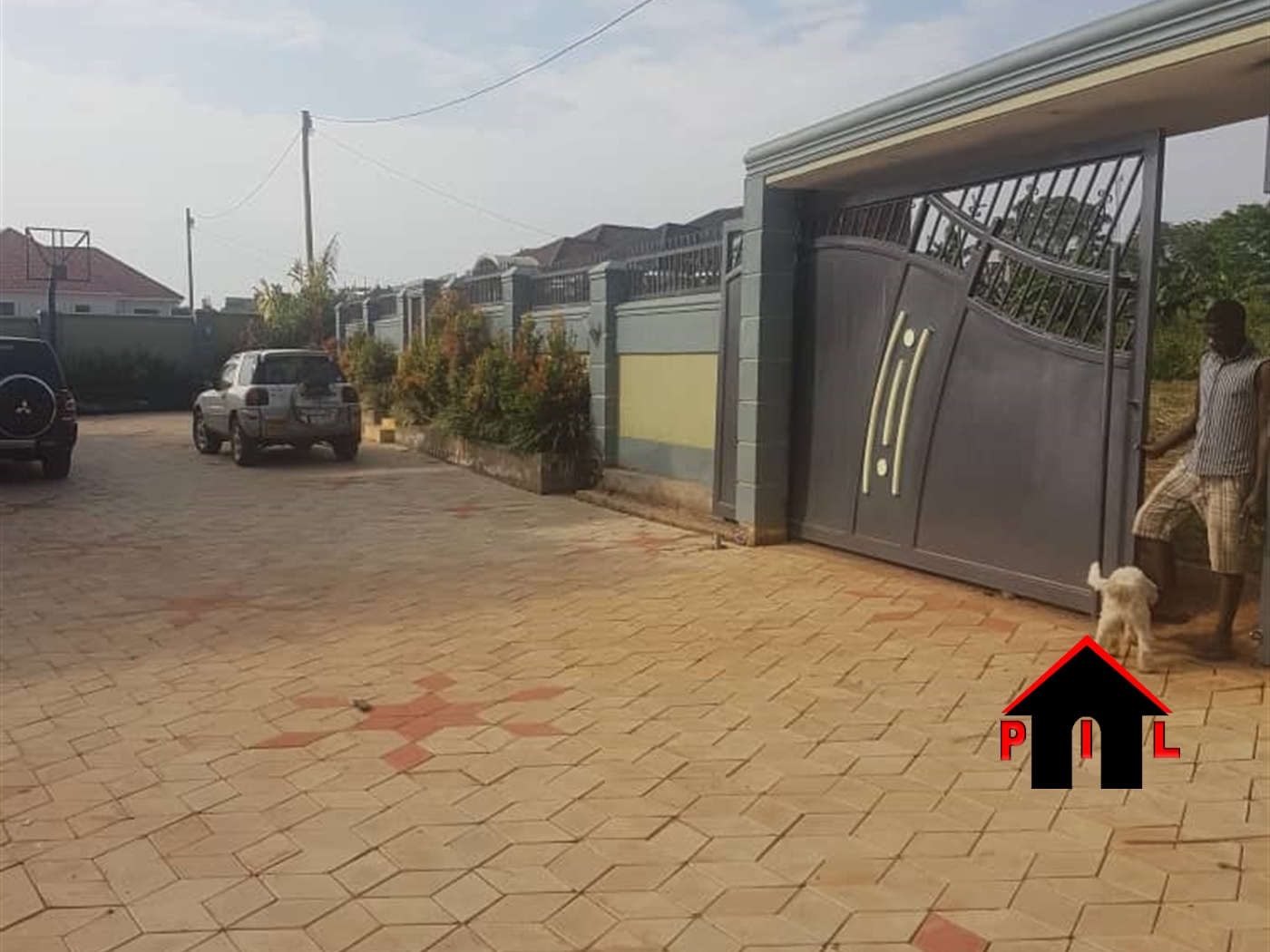 Mansion for sale in Kitukutwe Wakiso