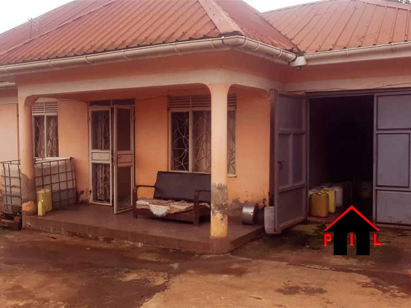 Bungalow for sale in Lwezza Kampala