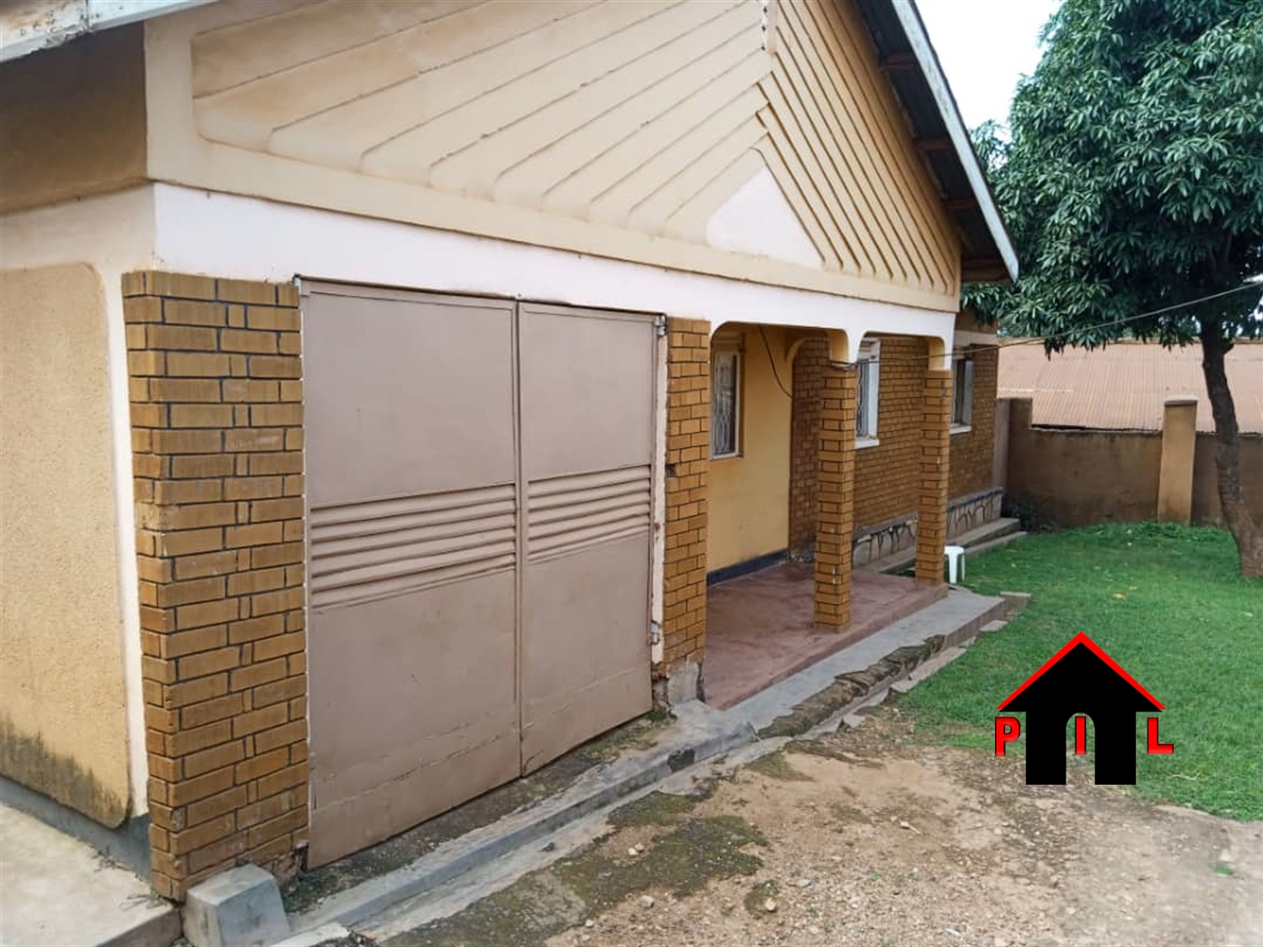 Bungalow for sale in Kasubi Wakiso
