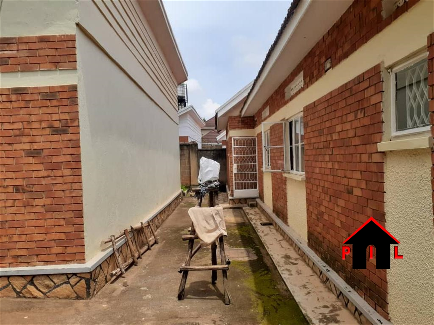 Bungalow for rent in Naguru Wakiso