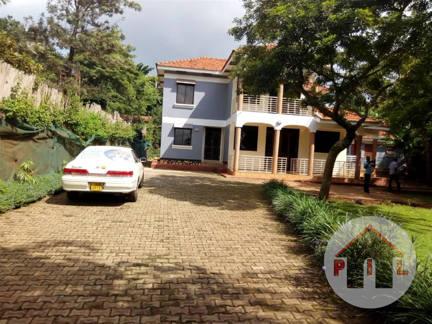 Mansion for sale in Bwebajja Wakiso