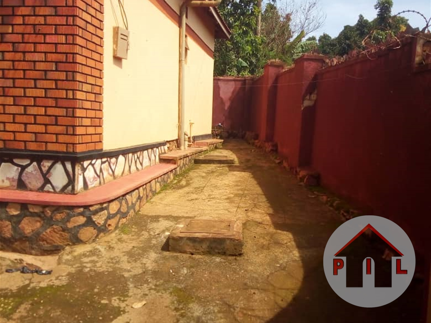 Rental units (for sale) for sale in Seguku Wakiso