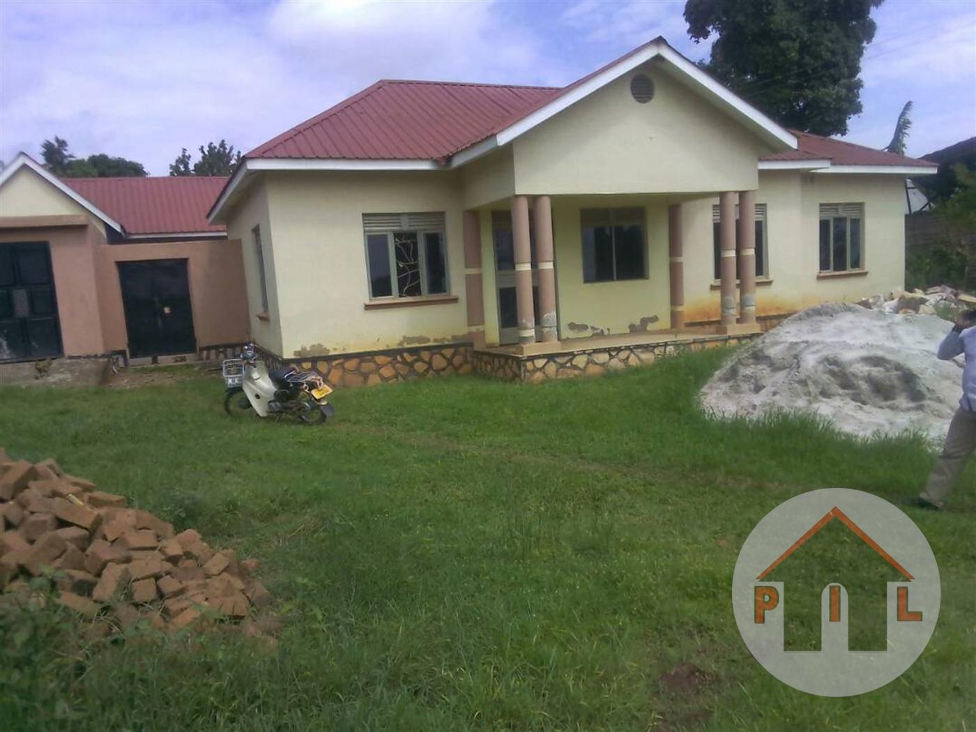 Bungalow for sale in Kubiri Mukono