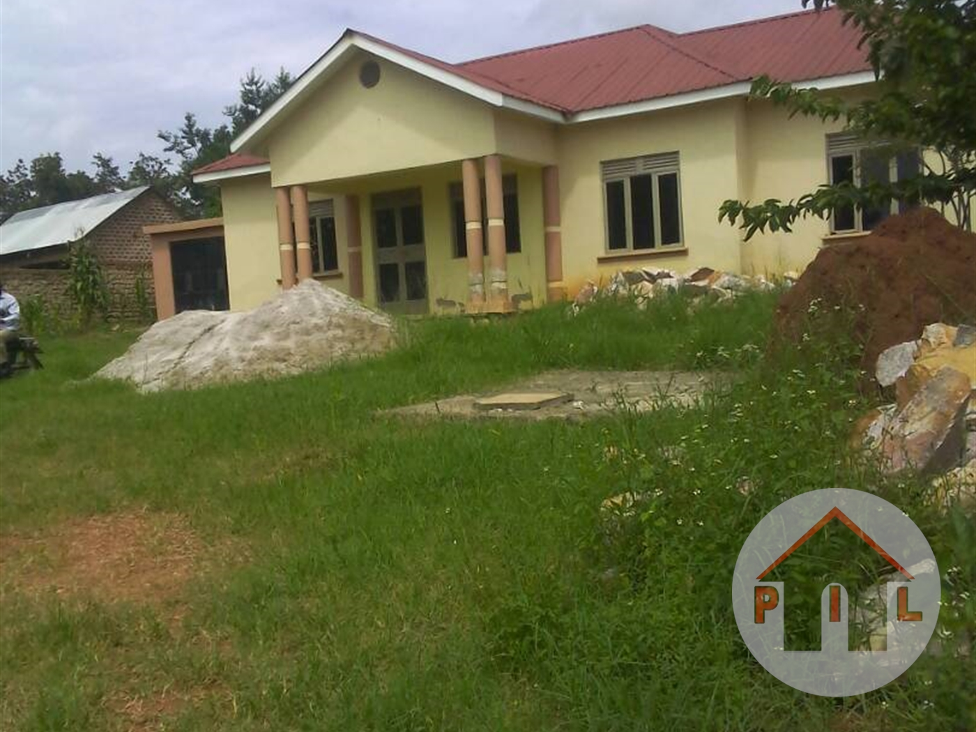 Bungalow for sale in Kubiri Mukono