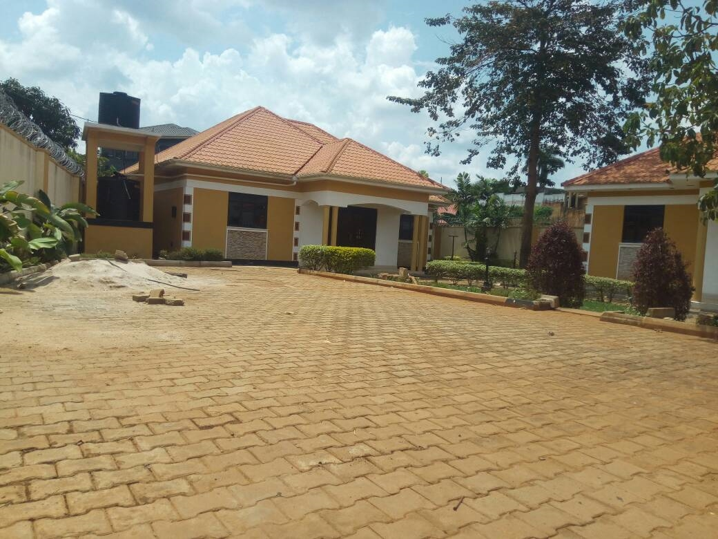 Bungalow for sale in Kungu Wakiso