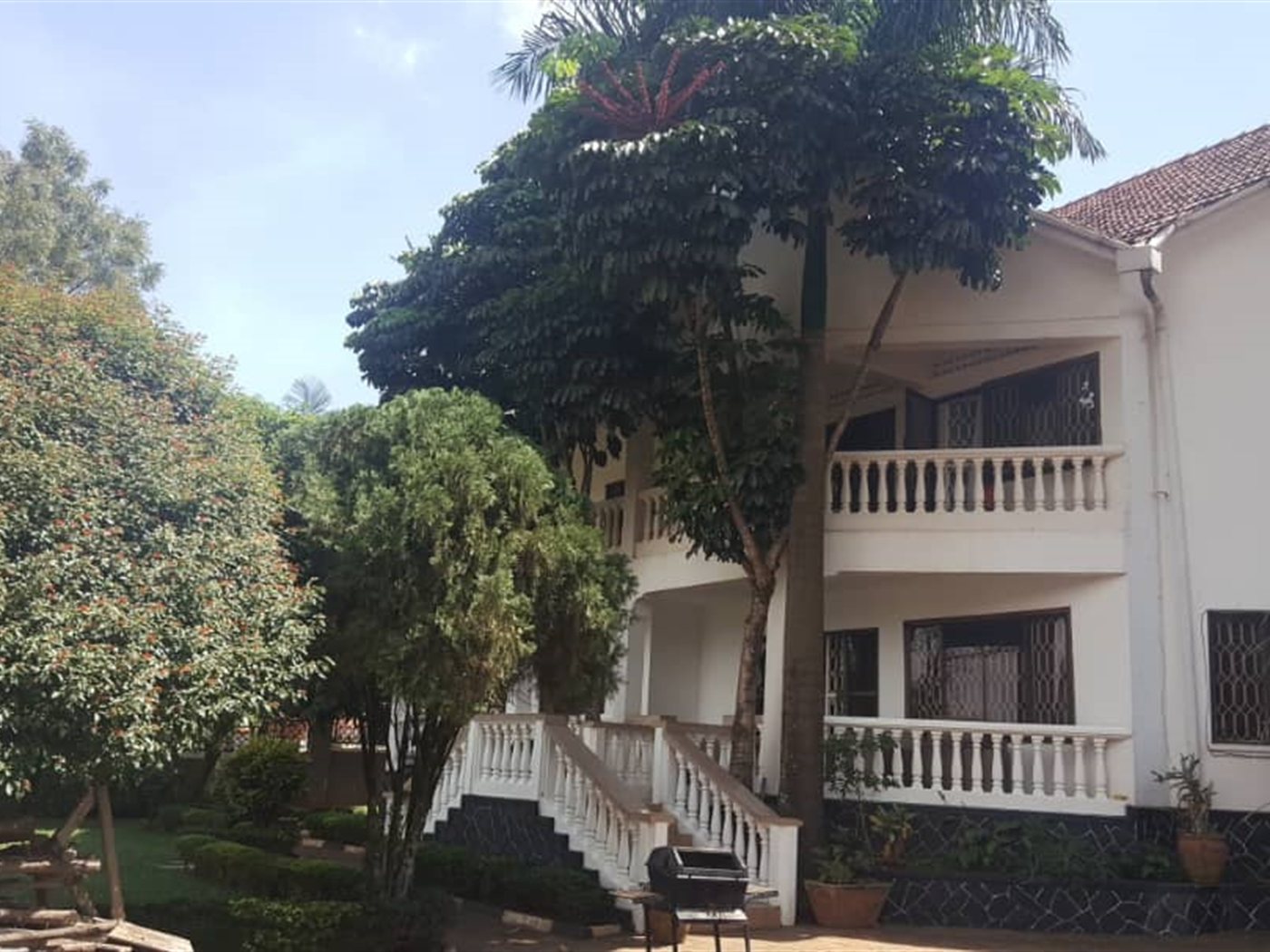 Mansion for rent in Kansanga Kampala