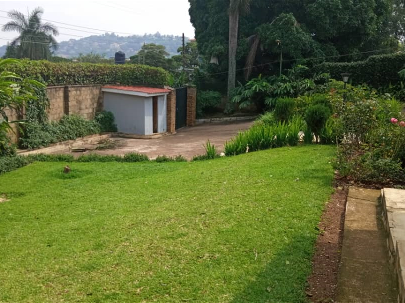 Bungalow for sale in Mutungo Kampala