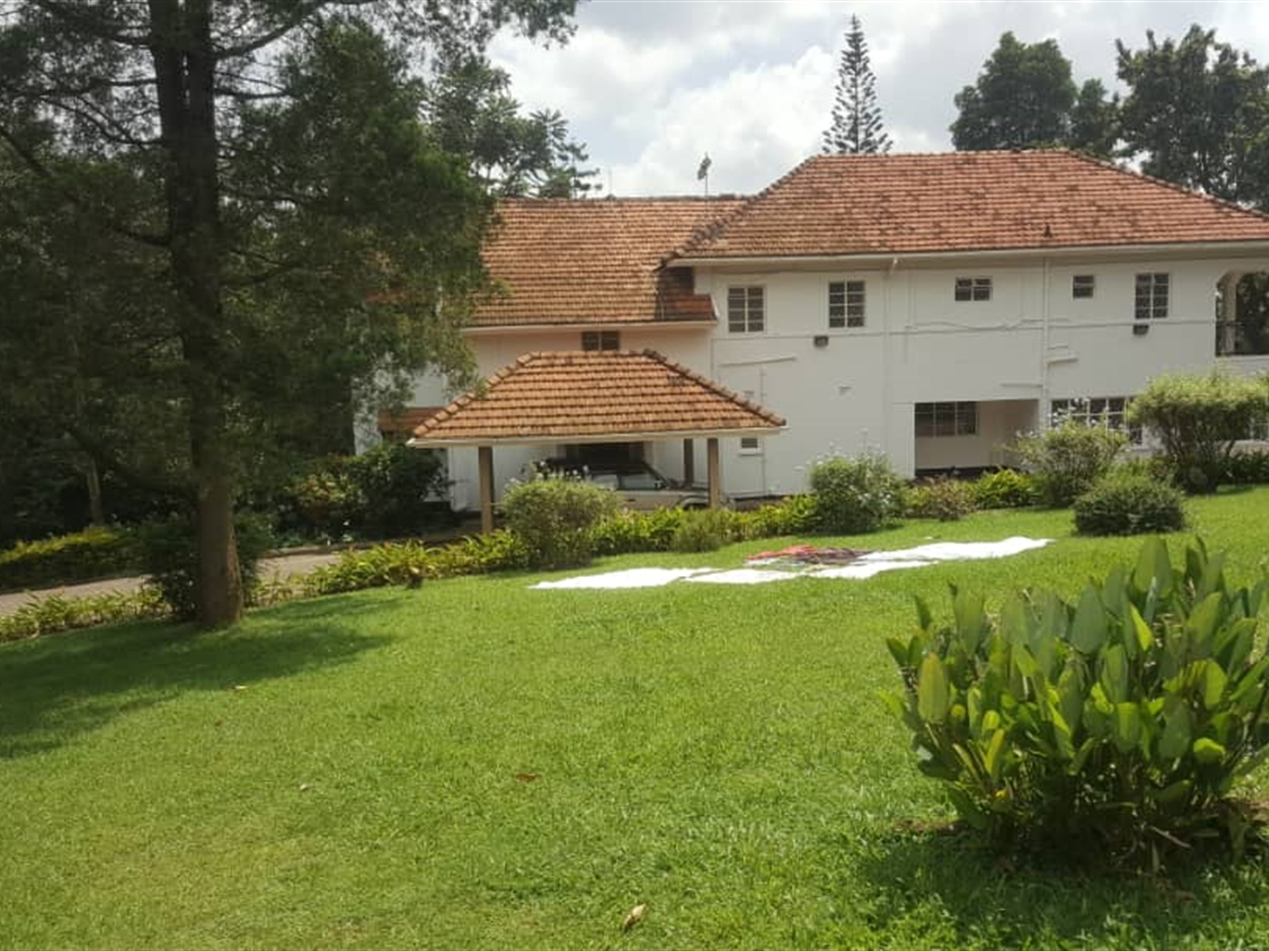 Mansion for rent in Nakasere Kampala