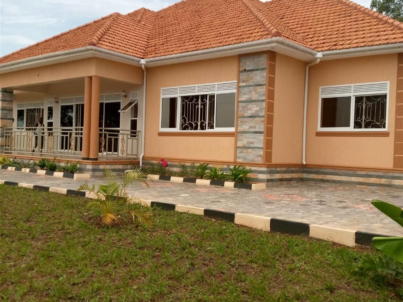 Bungalow for sale in Bwebajja Wakiso