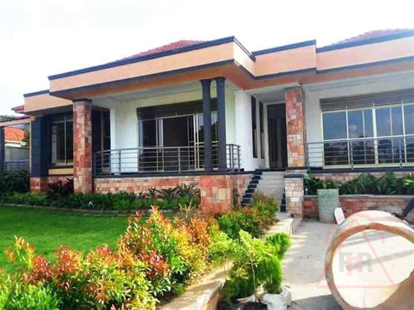 Mansion for sale in Kiwaatule Kampala